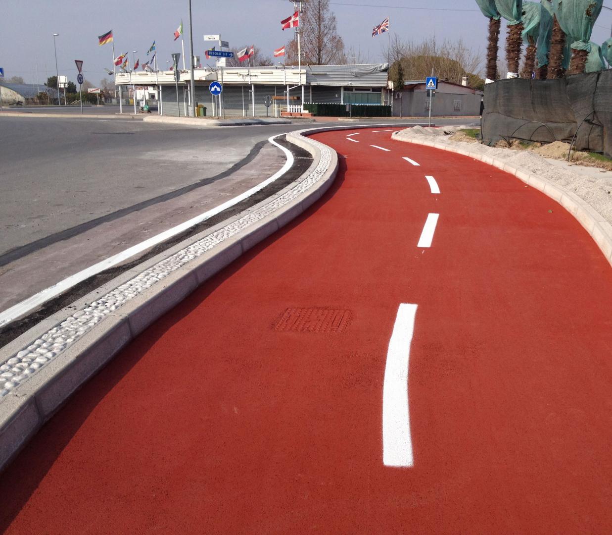Realizzazioni pavimenti industriali - Cemento colorato per esterno ...