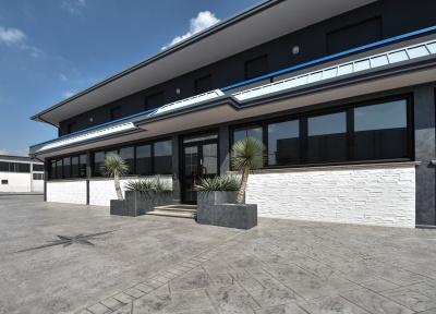 azienda nord Italia con esterno pavimento e muro stampati